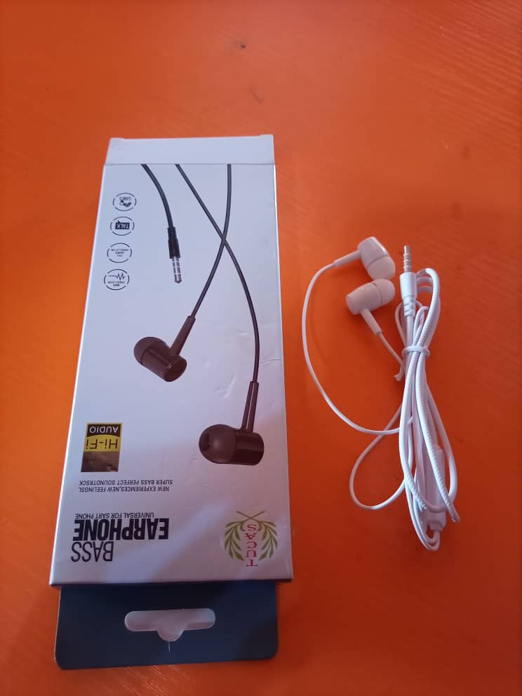 Tucas non picking ear phone